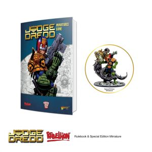 Judge Dredd Miniatures game Rulebook & special edition model